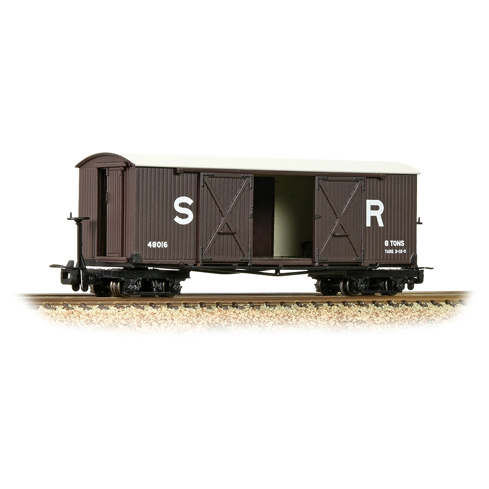 Bogie Covered Goods Wagon SR Brown