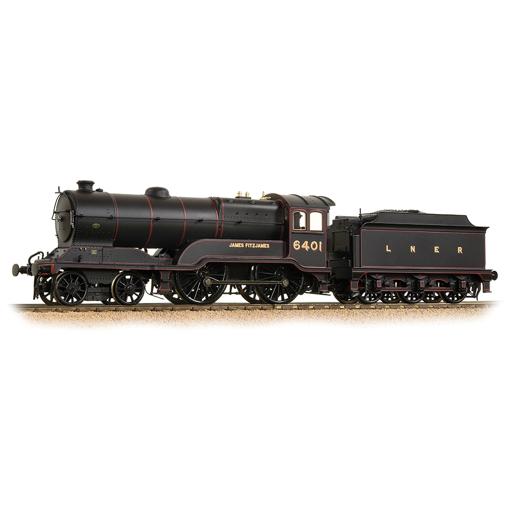 LNER D11/2 6401 'James Fitzjames' LNER Lined Black