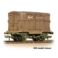 Conflat Wagon BR Bauxite (Early) with 'Door-To-Door' BD Container