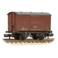 LNER 12T Ventilated Fruit Van Planked Ends BR Bauxite (Late)