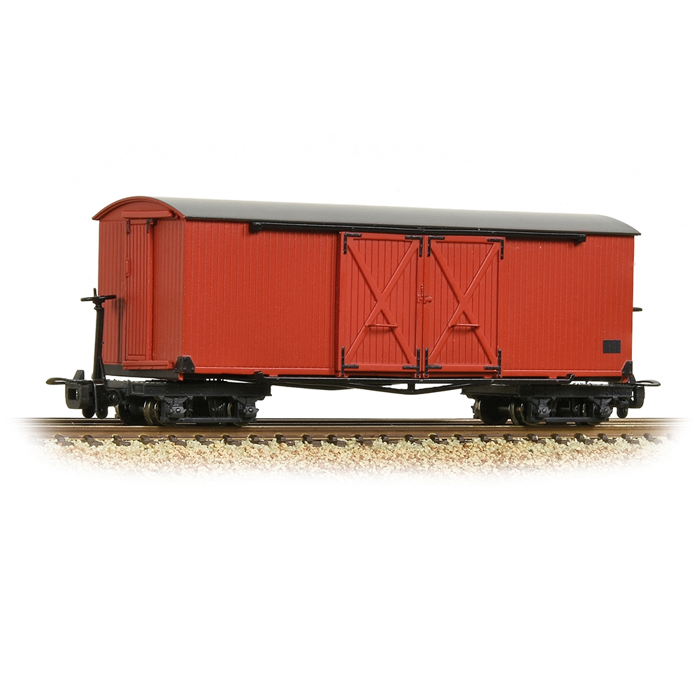 Bogie Covered Goods Wagon Lincolnshire Coast L. R. Crimson